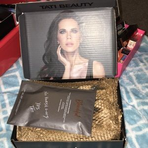 Tati Beauty pallet plus the 2 Blendifuls unopened